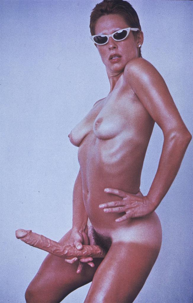 Title: Ref.: Artforum, Nov. 1974; Image ID: UCSD_41822001505021